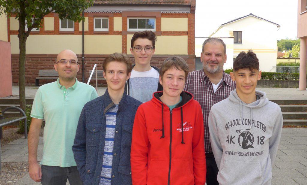 Und die Dritte Holger Kretz, Daniel de Vincenz, Martin Fritschle, Jannik Emmerich, Christian Schöfer und Cem Özdemir (v.l.).