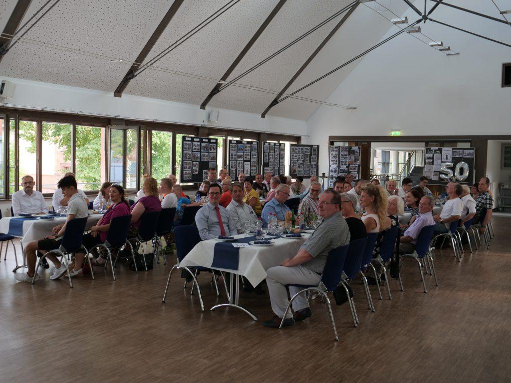 An der Jubiläumsfeier am 27. Juli 2019 nahmen viele Mitglieder, Gäste und Freunde des Schachklubs teil.